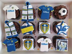 Leeds United Football cupcakes