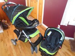 Graco LiteRider LX Travel System with Car Seat, Stroller and Base - $90