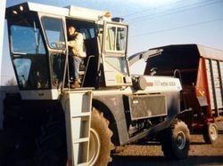 Metcalfe Service Centre 1987