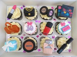 30th birthday personalised cupcakes