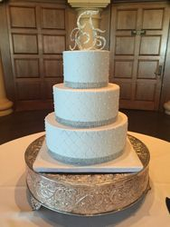 Simple wedding cake with rhinestones