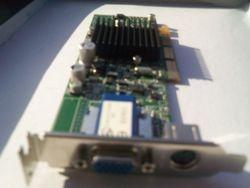ATI Radeon 7500 agp