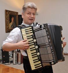 Woho & Kalendar Band at German Embass