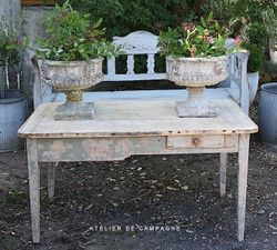 #20/009 French Country Table