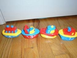 3 Bees & Me Magnetic Boat Set Bath Toys - $8