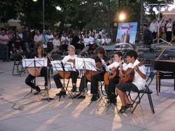 Ensemble de guitarras en concierto