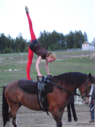 May: Training in Spokane, Washington, USA - Iris practices her Needle on Lady Mae