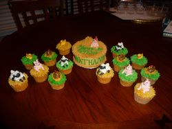 Barnyard Friends Cupcakes