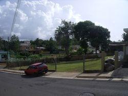Tremenda localizacion, cerca de Escuelas, Supermercados, Farmacias, Hospital y Centros Comerciales. A un minutos de la PR#2 en Aguadilla.