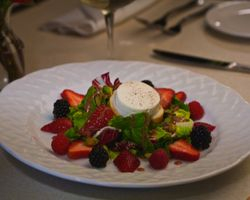 Fresh Berry & Goat Cheese Salad