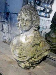 #13/154 Garden Buste Marie Antoinette