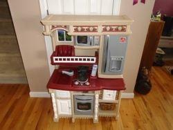 Step 2 LifeStyle Custom Kitchen- $65