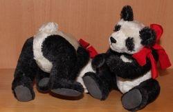 Spielende Pandabären