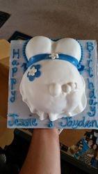 Small Baby Bump Shower Cake