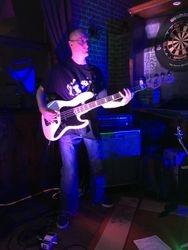 Tom 'bass'