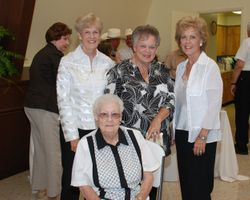 Buncy, Judy, Nancy & Tannie seated.