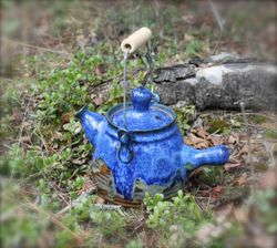 "River's Edge ""Just Tip Me Over"" Teapot!"