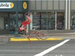 fietsen is gevaarlijk ....