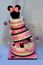 Topsy turvy Minnie Mouse Cake