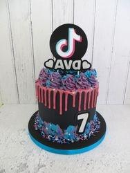 Tik Tok Drip Cake