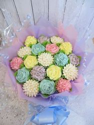 19 pastel colour cupcake bouquet