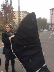 Recording Day Luisa Prandina draggin her harp through central Milan