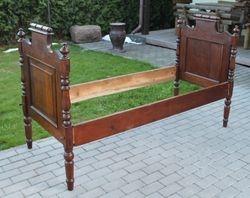 Prieskarine lietuviska lova. Kaina 187