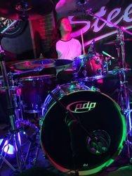 Tom 'drums'