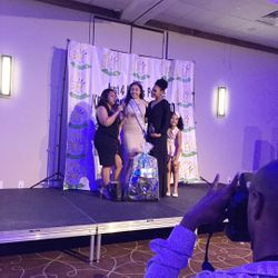 Chrissy Steed, Natyely Frias, Demetria McKinney and Amiya attend KiddiePreneur Recognition Event - iPlay America