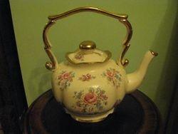 Angliskas arbatinis. Kaina 13 Eur.