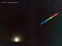 The color decomposition of the lunar light