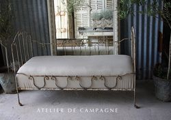 #24/044 French Daybed