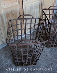 #28/181 FRENCH SQUARE BASKETS DETAIL