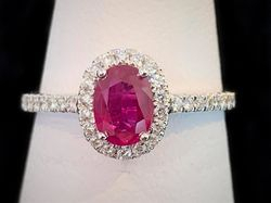 Oval ruby and diamond ring, 18k white gold