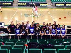 Jr. Girls Basketball visit U of S Huskies