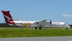 QantasLink Dash 8-400 VH-QOI
