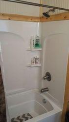 Bathroom Tub/ Shower