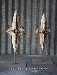 #27/049 FRENCH WALL ANCHORS ON STAND