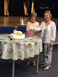 Norah and Jill cut the cake!