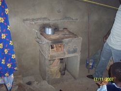 Observe the pot cook