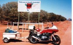 Tom's XJ900 at the NT/SA Border after the 1994 AGM at Alice Springs - May 1994