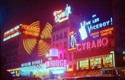 601 Moulin Rouge & Place Pigalle Paris