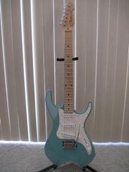 1996 Giles KL-400 USA Rare Prototype (Poly-Resin Body).