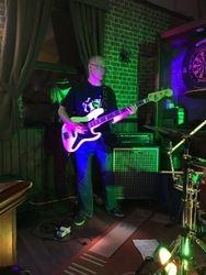 Tom 'bass' debut