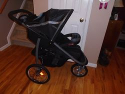 Graco Click Connect Jogging Stroller- Fast Action - $100