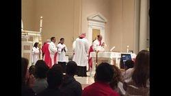 Pentecostes- en la Misa asistida por varios diaconos