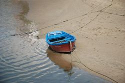 A boat on the river in Cedeira
