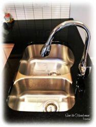 Double sink plumbing installation