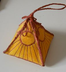 Pyramid Pin Cushion