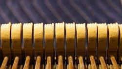 Hammer grooves